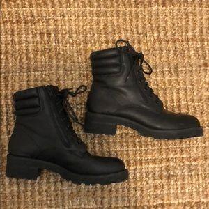 MIA Black combat boots W: 8